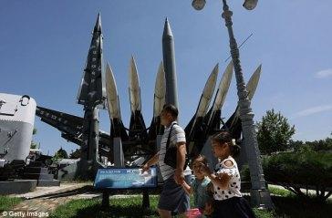 4392576700000578-4831230-A_North_Korea_Scud_B_missile_C_is_displayed_at_the_Korea_War_Mem-a-27_1504017309910
